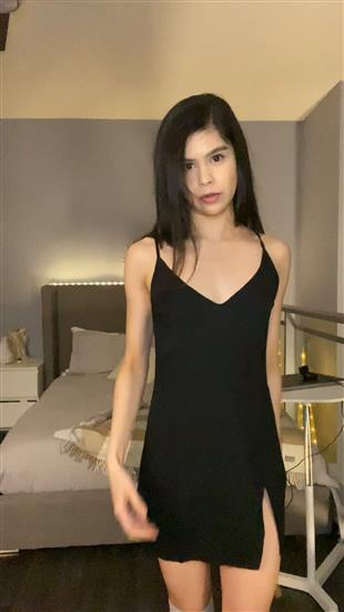 RorrieGomez Outfits Show Onlyfans Premium Video