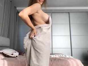 queenoftease_ Towel Tease Camshow Video mfc
