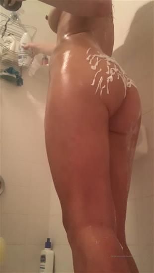 butterybubblebutt Shower Show Video Onlyfans