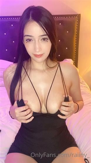 Raiiny_ Tits Tease Video Onlyfans