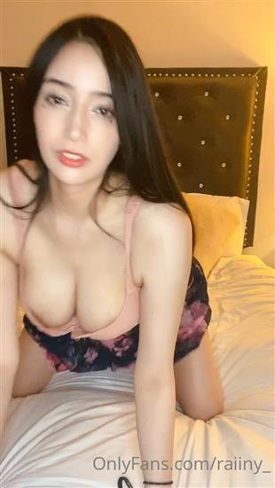 Raiiny_ Cleavage Tease Video Onlyfans