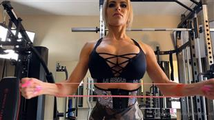 autumndoll_xo Flexin Gym Outfit Onlyfans