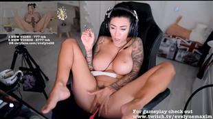 evelyne92 Fuck Pussy Cum Chaturbate