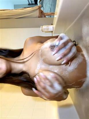 lildedjanet Bath Show Video Onlyfans